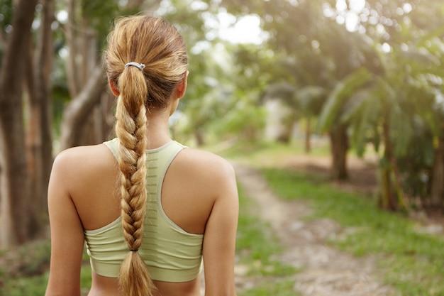 Ludzie, sport, przyroda i fitness.
