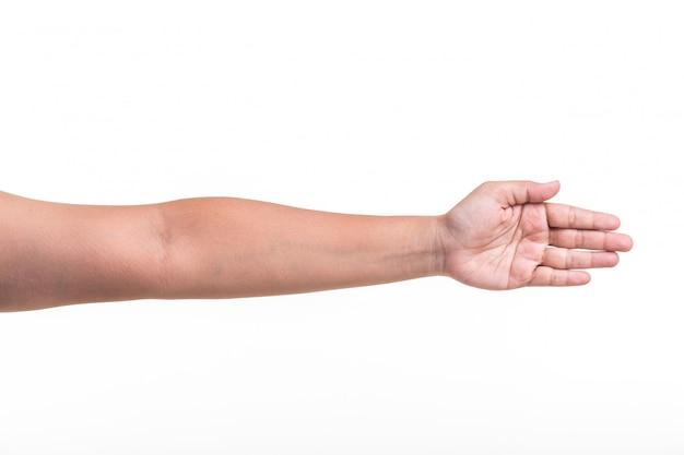 Ludzka ręka pokazuje gesty lub znaka odizolowywających na bielu