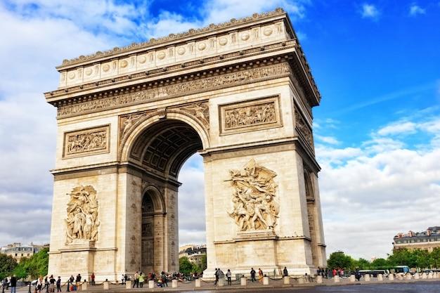 Łuk triumfalny w paryżu. francja.