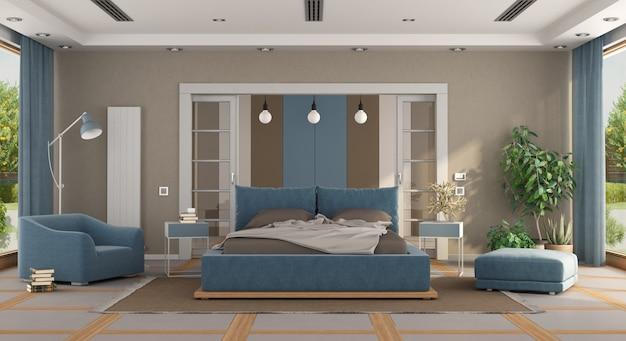 Luksusowa niebieska i brązowa główna sypialnia