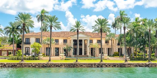 Luksusowa rezydencja w miami beach na florydzie w usa