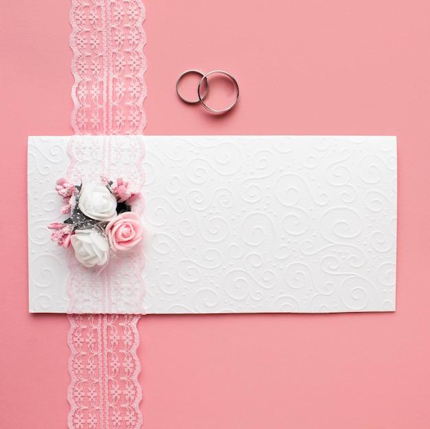 Luksusowa ślubna koncepcja minimalistycznej koperty