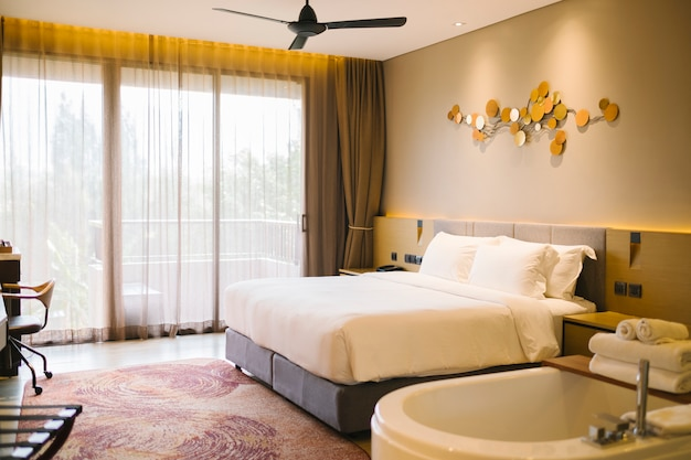 Luksusowa sypialnia w hotelu