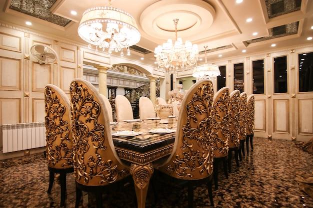 Luksusowa złota kuchnia