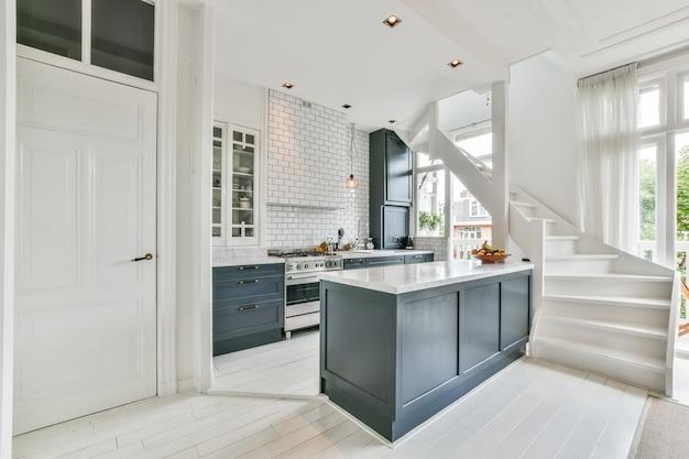 Luksusowy i piękny projekt wnętrza kuchni