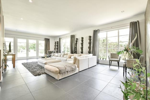 Luksusowy i piękny wystrój wnętrz salonu