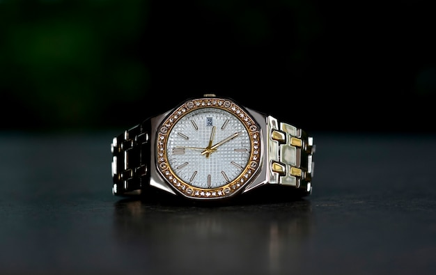 Luksusowy zegarek na rękę