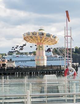 Luna park tivoli grona lund to park rozrywki w sztokholmie w szwecji