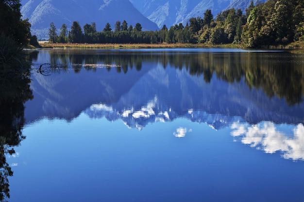 Lustrzany jezioro na południowej wyspie, nowa zelandia