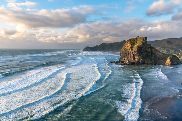 Lwia skała i plaża piha