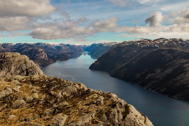Lysefjorden widziane z preikestolen, stavanger, norwegia