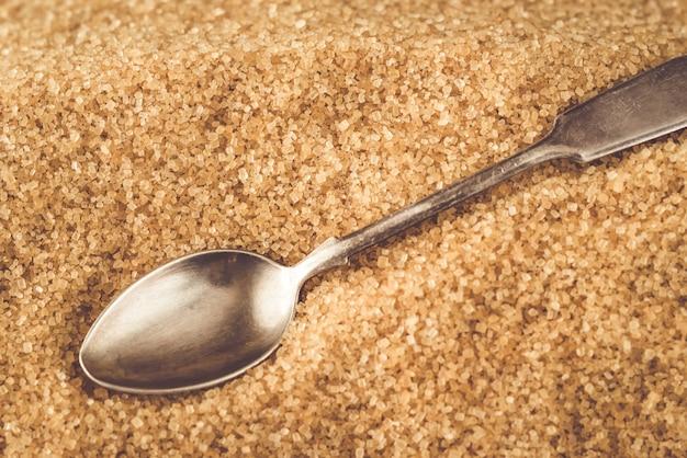 Łyżka w brązowym cukrze