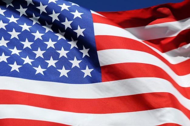 Machać flagą stanów zjednoczonych ameryki