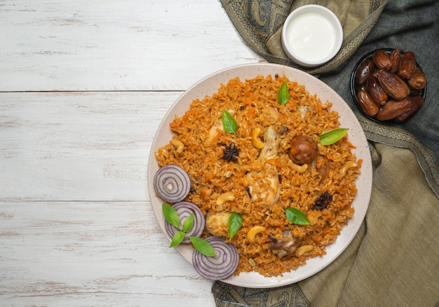 Machboos z kurczaka (bahraini spiced chicken and rice).