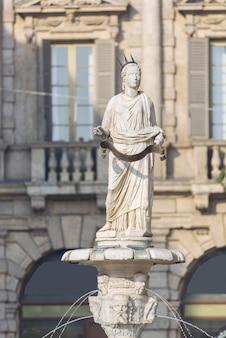 Madonna verona na piazza delle erbe