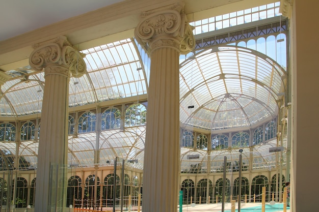 Madryt palacio de cristal w parku retiro