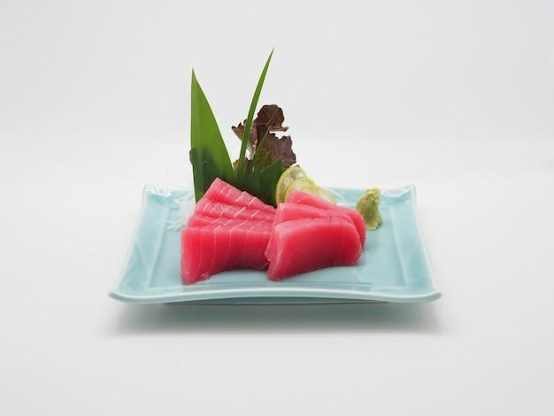 Maguro to termin japoński dla tuńczyka błękitnopłetwego, najczęściej spożywanych ryb w restauracjach sushi