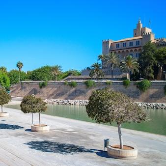 Majorka katedra la seu z palma de mallorca w hiszpanii