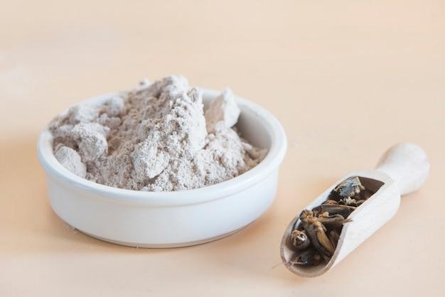 Mąka do krykieta z bliska