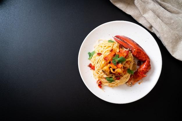 Makaron all'astice lub spaghetti z homara