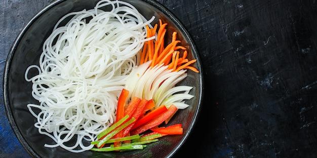 Makaron ryżowy zupa pho makaron szklany azjatyckie wermiszel