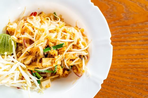 Makaron w stylu tajskim, pad thai