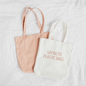 Makieta białej torby ekologicznej. pusty worek na zakupy z miejscem na kopię