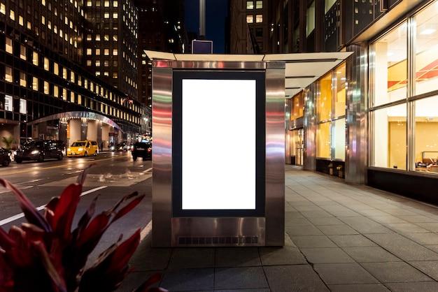 Makieta billboardu na przystanku autobusowym