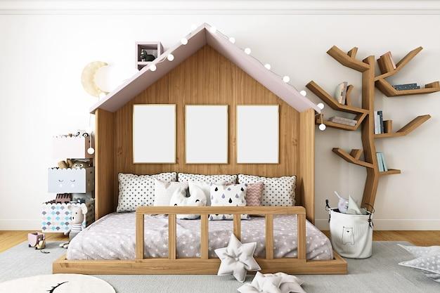 Makieta pokoju dziecięcego z trzema ramkami na tle drewnianego domu