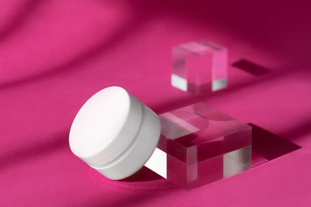 Makieta pustej butelki kosmetycznej kremu do ciała