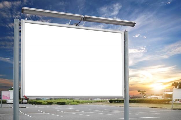 Makieta pustej tablicy reklamowej