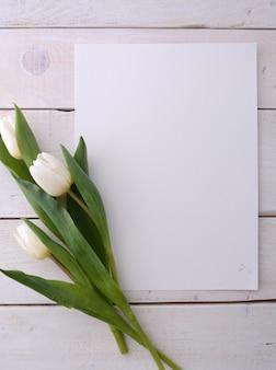 Makieta ramki plakat z kwiatami