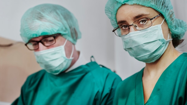 Makieta szablonu transparentu personelu medycznego koronawirusa