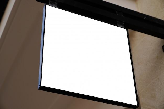 Makieta tablica reklamowa przed sklepu billboardu biały znak pusty sklep