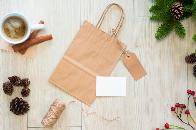 Makieta torby papierowej, etykiety i wizytówki