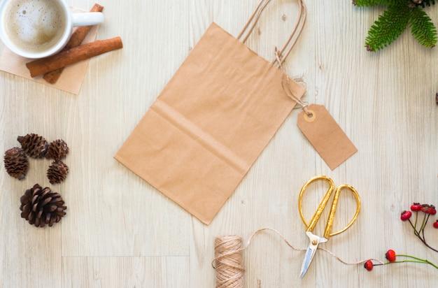 Makieta torby papierowej i etykiety