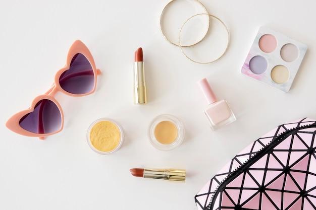 Makijaż kosmetyki i akcesoria