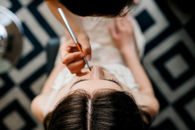 Makijaż ślubny i narzędzia do makijażu