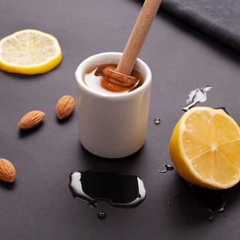 Makro domowej roboty miód z cytryną