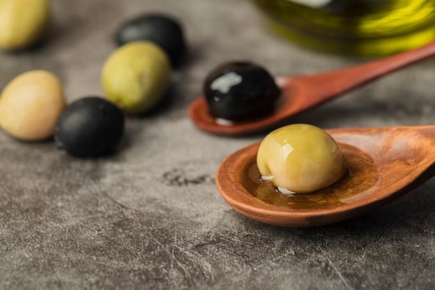 Makro naturalne oliwki gotowe do podania