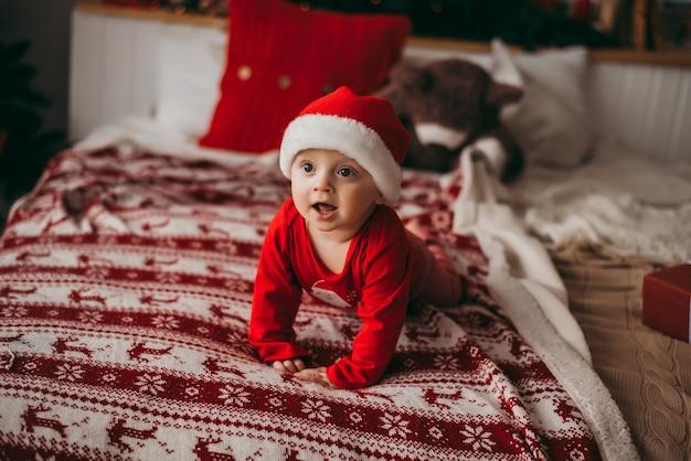 Mała dziewczynka w santa hat