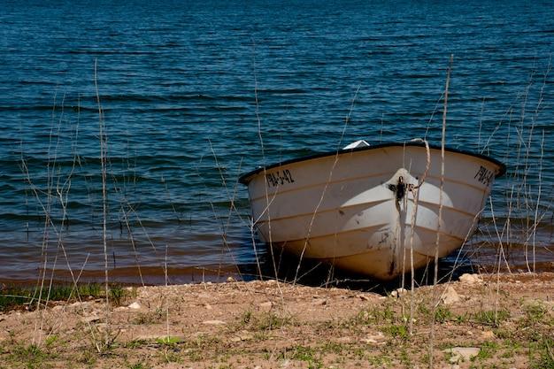 Mała łódka do ćwiczeń w zbiorniku