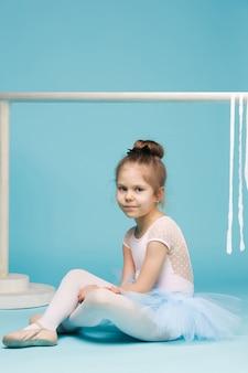Mała tancerka baleriny na niebiesko
