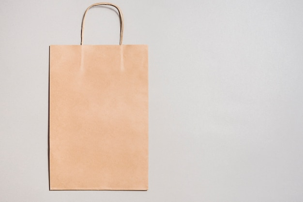 Mała torba na zakupy z papieru rzemieślniczego