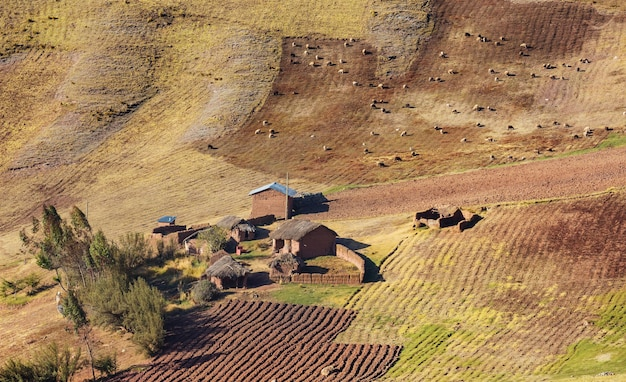 Mała wioska w boliwijskich górach