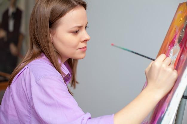 Malarstwo artystyczne w studio