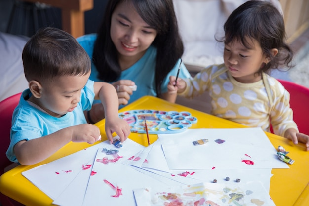 Malarstwo dla dzieci w kolorze akwareli