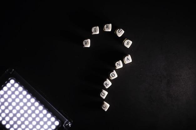 Małe litery kostek napis