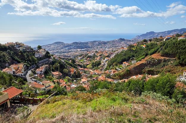 Małe miasteczko na maderze, portugalia