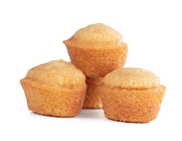 Małe miękkie ciastka do smaku na białym tle